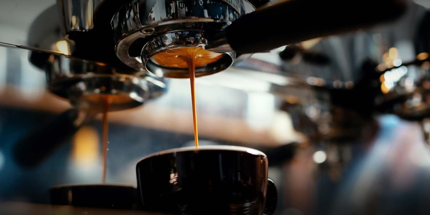 Coffee machine, pouring a coffee